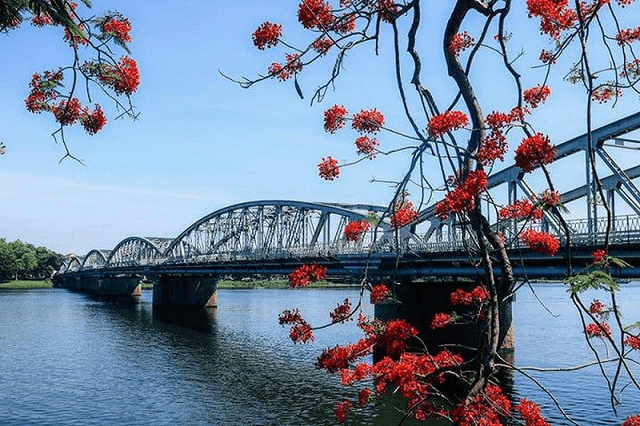 Cầu Tràng Tiền- minh chứng lịch sử của đất nước