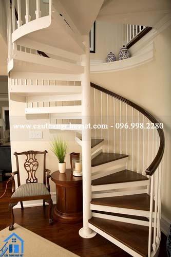 Chọn cầu thang sắt hợp phong thủy