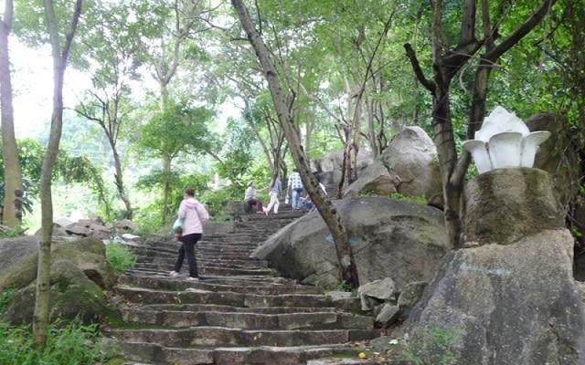 Địa điểm leo núi gần Sài Gòn
