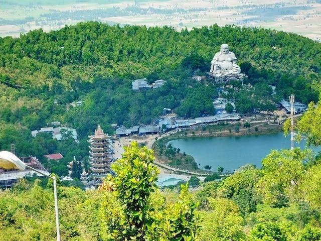 Toàn cảnh núi Thất Sơn nhìn từ trên cao