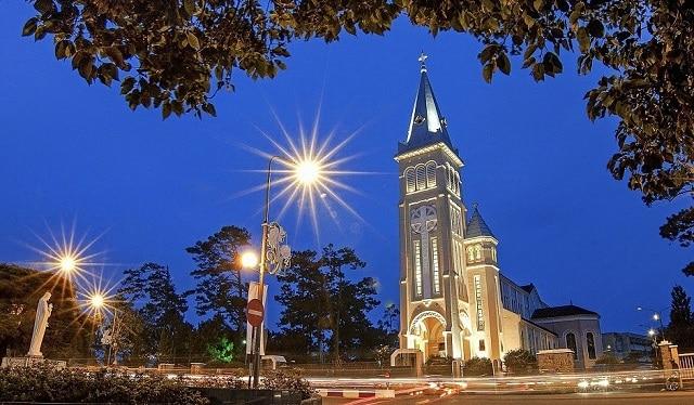 Nhà Thờ Con Gà – Nhà thờ lớn nhất Đà Lạt